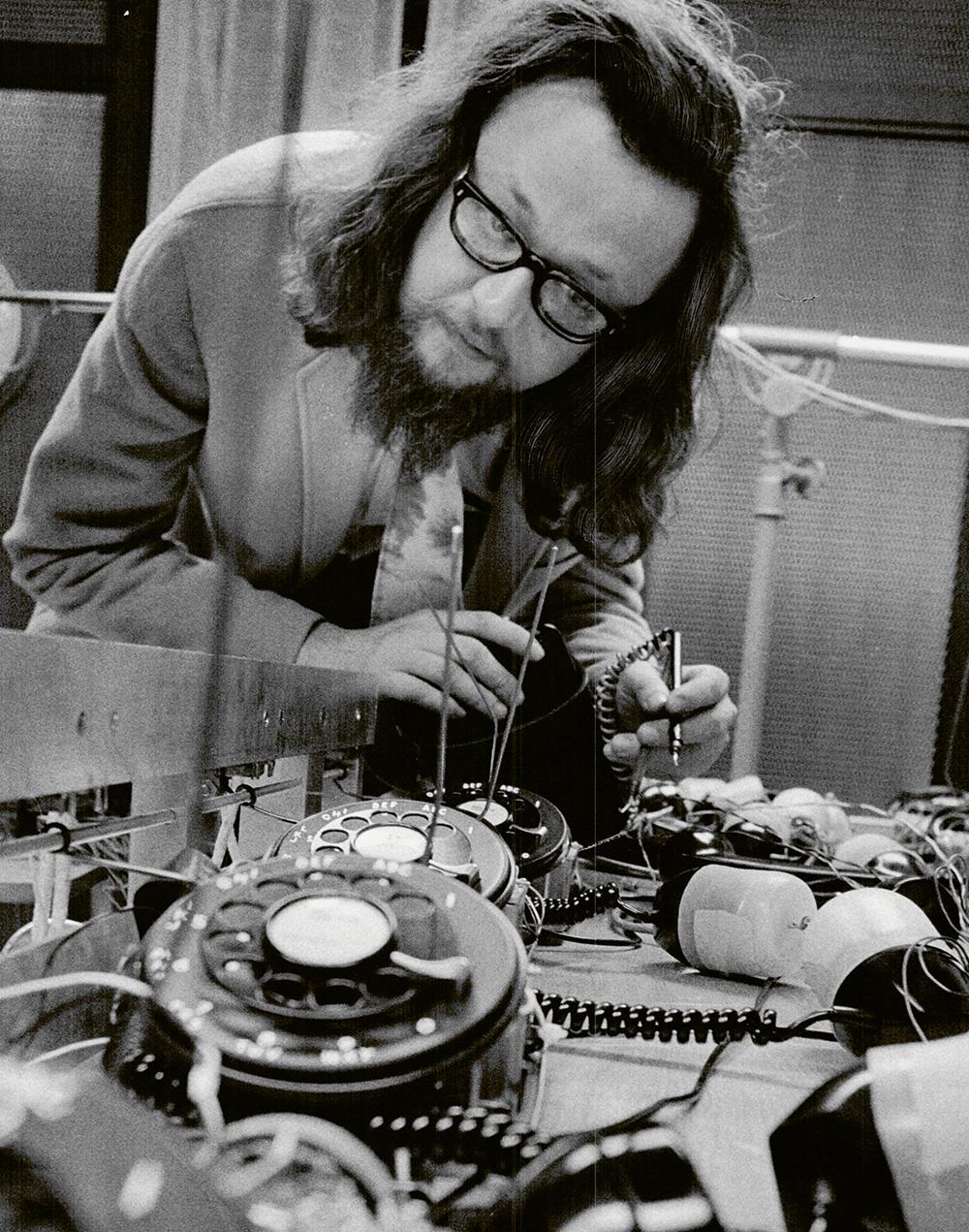 HEMISPHERES N°20 – Focus «spécial Covid-19» sur six recherches HES-SO – L'écoute, de l'incertitude à la connaissance // www.revuehemispheres.com